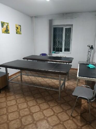 Медицинская мебель - Кыргызстан: Продаю 2кушетки для массажа