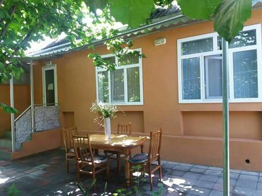 İsmayıllı şəhərində Ismayillida kiraye ev bu ev kubuc daqnin eteyinde yeresir tebyet