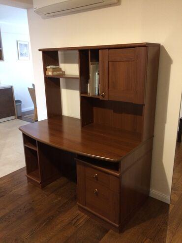 Jako kvalitetna izrada stola, izradjen od mdf-a, kupljen pre tri
