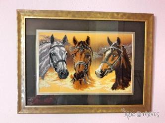 The HorsesΚέντημα υφασμάτινο από χιλιάδες πολύχρωμες λεπτές χάνδρες σε