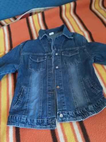 Teksas jakna zenska - Srbija: Divna zenska teksas jakna, ocuvana,malo nosena