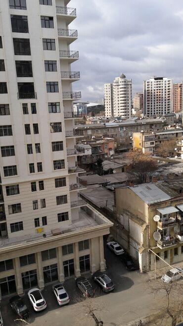 buick park avenue 28 at - Azərbaycan: Mənzil satılır: 1 otaqlı, 52 kv. m