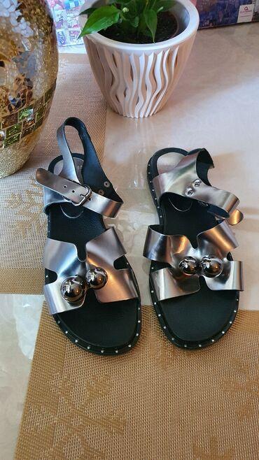Турция . Очень красивая обувь. Кожанные.Размер 39. Весна-лето-осень