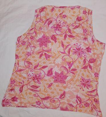 Ženske majice - Srbija: Jako lepa roze majica cvetnog dezena. Prijstna,lepa. Vel M