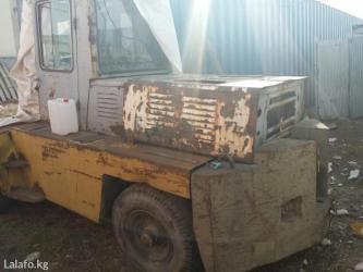 Продаю авто погрузчик груза подемность  5 т в рабочем состоянии в Бишкек