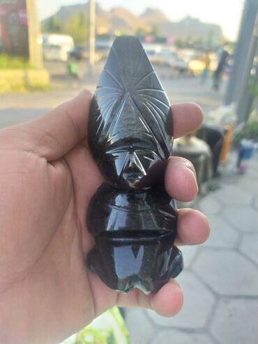 Камень амулет из обсидиана в очень хорошем состоянии,отлично выполнен