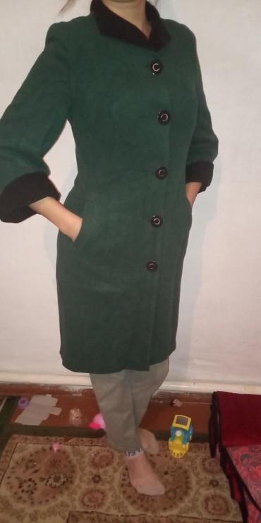 Пальто в отличном состоянии, носила всего несколько раз, дефектов вооб