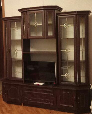 шкаф в гостинную в Азербайджан: Б/у стенка Embawood. Есть дефекты - некоторые ручки поломанны, нижний