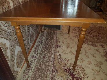 Стол в собранном виде,а так раскрывающие,чисто дубовой