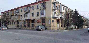 Bakı şəhərində Abil (Vasitəçi)