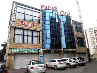 sovremennye divany в Азербайджан: 8 мкр по проспекту Азадлыг Проспекти прямо у дороги продае