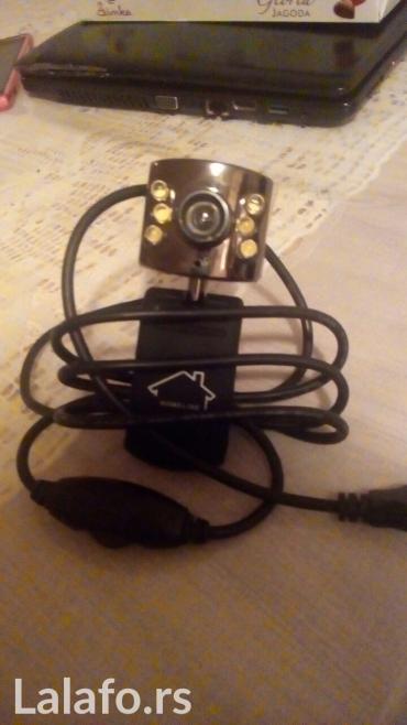 Usb web kamerica sa mikrofonom i led svetlima. Testirana na laptopu sa - Leskovac