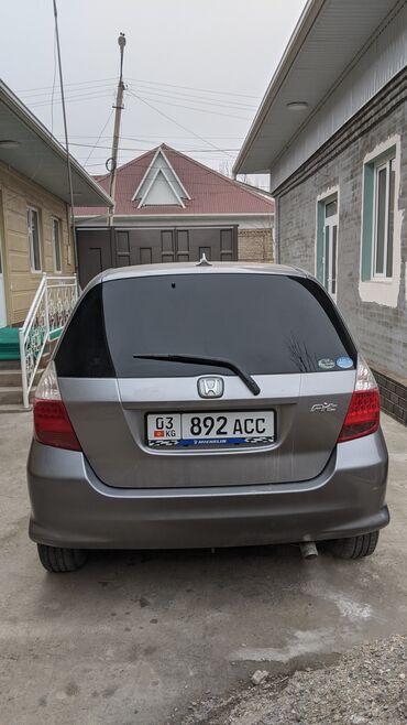 Транспорт - Кызыл-Кия: Honda Fit 1.3 л. 2006