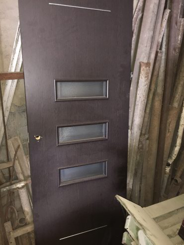 Двухстворчатая дверь в идеальном состоянии в Кант