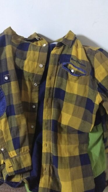 Рубашки на мальчика 12-13 лет. Состояние отличное