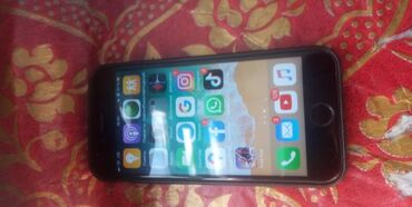Apple Iphone - Состояние: Б/У - Бишкек: Б/У iPhone 6 16 ГБ Черный