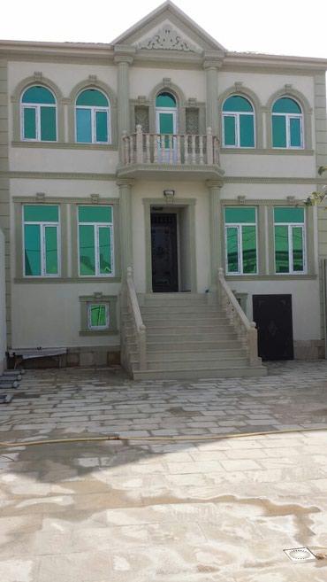 Xırdalan şəhərində Xirdalanda màrkàzdà 2 màrtàbàli 6 otaqli tàmirli hàyàt evi