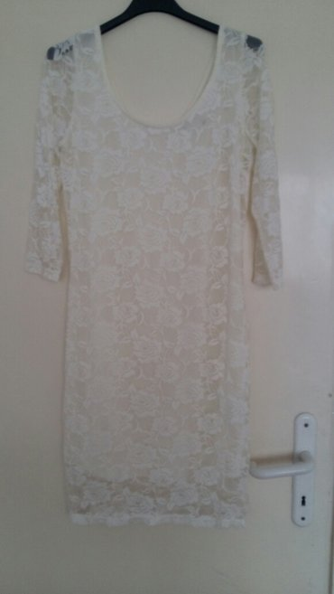 500rsd  bela elegantna cipkasta haljina velicine m - Nis