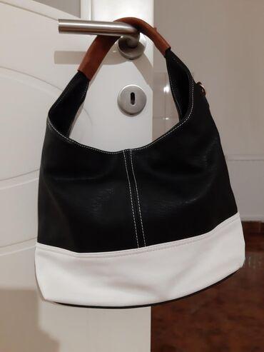 Kvalitetna crno/bela torba, nova, nekorišćenaPogledajte i moje ostale