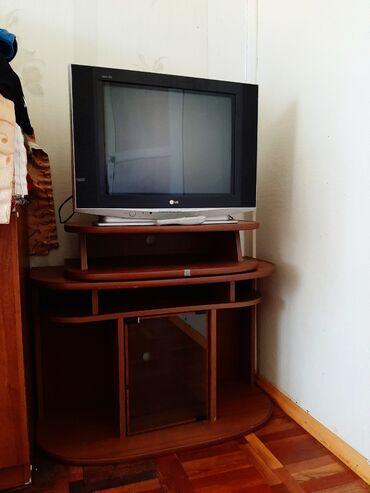 дом из сруба бишкек цена в Кыргызстан: Телевизор и тумба  Самовывоз  Цена телевизора: 1500  Цена тумбы: 150