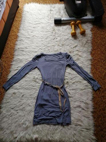Siva haljina! Lepog je materijala, jako udobna!!!
