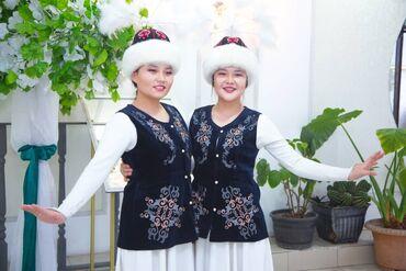 Продаю 1)Платья Лебеди с Крыльями 6 штук в 2чыптам и головные уборы 5