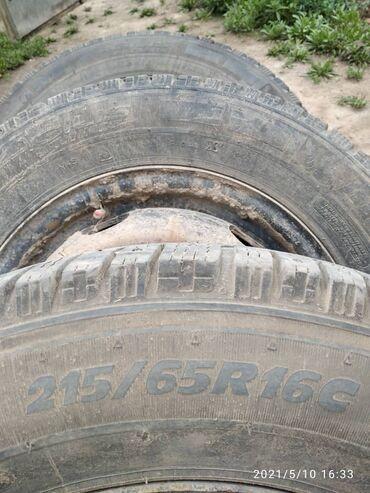 Шины и диски - Б/у - Бишкек: Мерседес гигант 1-шт 6000сомпозвоните хозяину