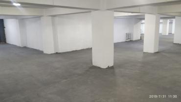 дом без посредников в Азербайджан: Продается гаражное помещение под 11 этажным домом площадью 842 м2 с вы
