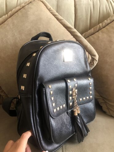 toyota corolla verso цена в Ак-Джол: Продаю сумки цена за две сумки