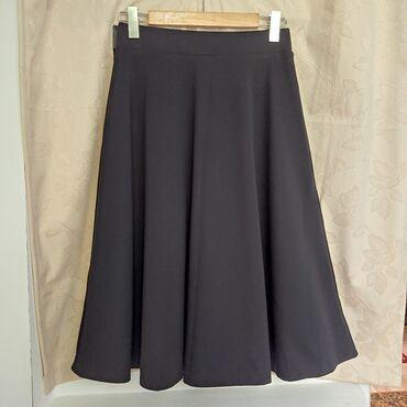 Продаю юбку из плотного трикотажа, чёрного цвета. Размер 46, обхват