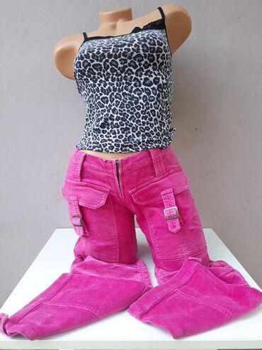 Tetanova 3/4 pantalone kao nove bez ikakvih ostecenja Veličina