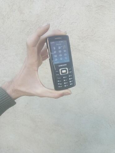 Samsung - Bakı: Salam,taniyan bilen bilir hansi keyfiyuetde telefon modelidir.Ela