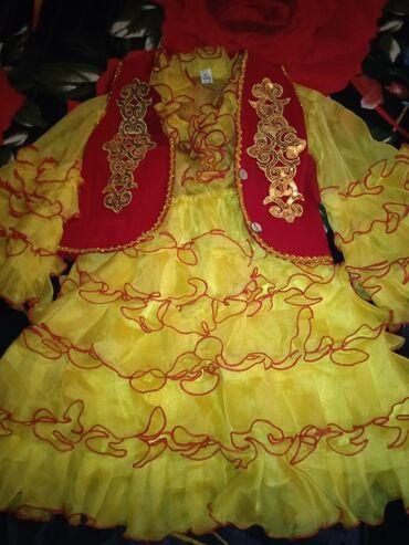детские обувь в Кыргызстан: Платье детское состояние норм за два платья прощу 600 сом