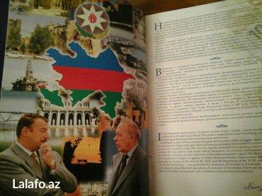 Bakı şəhərində Azerbaycan iqtisadcilati. Kitab iri olcudedir. Cox seliqeli ve zovqle - şəkil 3