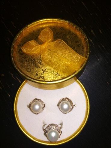 Серебряный набор, гарнитур из серёжек+кольцо с жемчугом. 18 размер в Бишкек