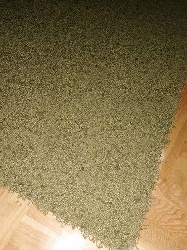 Tepih je pre mesec dana bio na pranju, odlican, dimenzije 170 sa