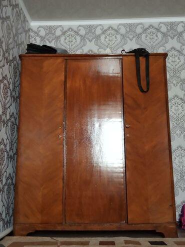 Продается 2 шкафа гардероба, из дерева. Цена каждого 6500. Цвет орех