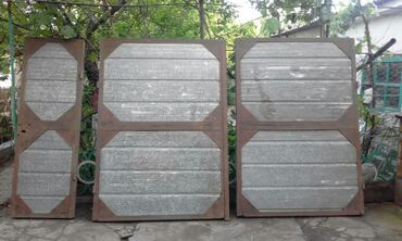 ворота на гараж в Кыргызстан: Продаются гаражные утепленные воротаРазмеры: высота 2м ; ширина одной