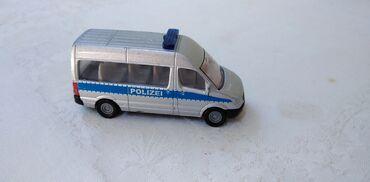 Avtomobil modelləri | Srbija: Siku kombi Mercedes Polizei oko 6 cm.,ocuvan