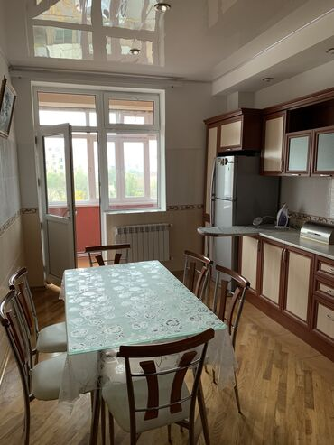 - Azərbaycan: Mənzil kirayə verilir: 3 otaqlı, 141 kv. m, Sumqayıt