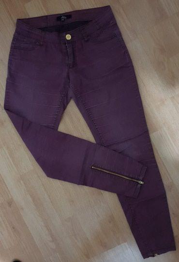 Zenske ljubicaste pantalone  velicina: 34 - Loznica