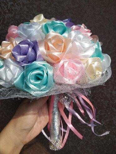 Свадебные букеты бутоньерка букеты из атластных лент цветы букеты