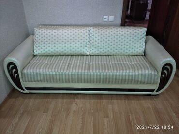 Услуги - Заречное: Продаю диван раскладной почти новый всего пол года цена 23000 торг