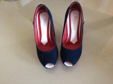 женские ботинки на каблуке в Азербайджан: Туфли «бугатти» 38 размер. 1 день одет. Каблук 10-11 см цена 55 ман