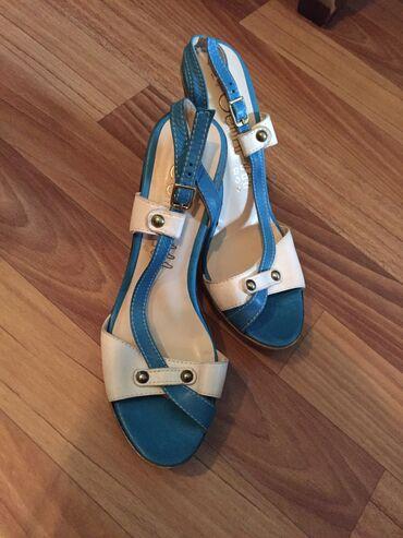Босоножка на каблуках Размер: 37 Есть вотсапп