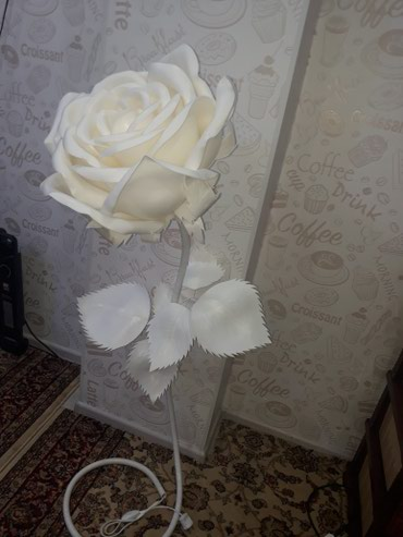 торшер со стеклянным абажуром в Кыргызстан: Роза торшер