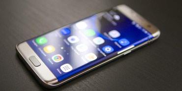 Bakı şəhərində SAMSUNG Galaxy S7 edge 2016(32gb).Sadəcə ekran işləmir(yanır