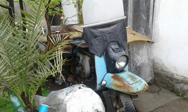 Мотоциклы и мопеды в Бишкек: Продаю мотороллер грузовой. пробег маленький. стоит более 15 лет