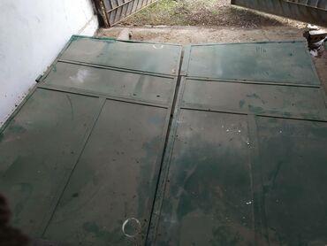 Продаю ворота без калитки со стойками высота 2 60 ширина 2 40.цена