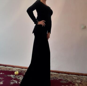 платье в пол с разрезом в Кыргызстан: СРОЧНО ПРОДАЮ Платье длинное, с разрезом сзади, надевала один раз. Я